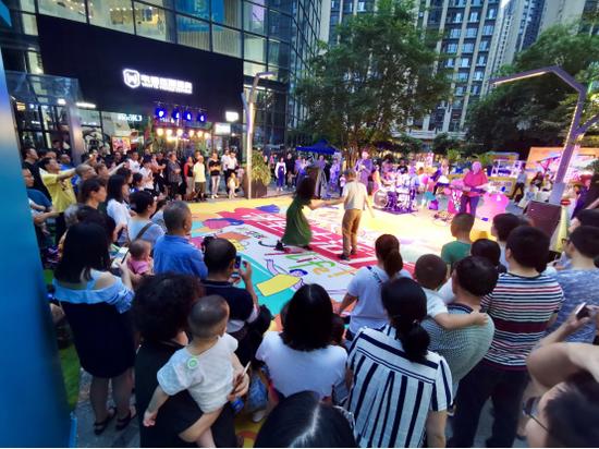 邻里生活节再创新高 鸿云悦街升级邻里商业