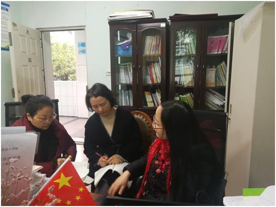龙泉实验小学省级课题《小学高段实用文群文阅读应用与创意能力培养的策略研究》活动