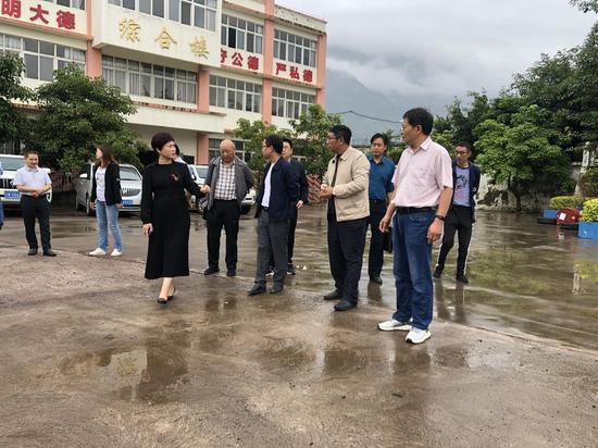 眉山市仁寿县人大常委会一行到德昌考察义务教育均衡发展