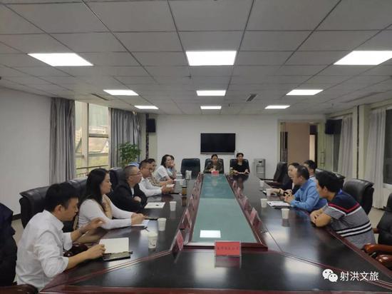 射洪市文广旅游局签约重庆师范大学外国语学院实践教育、就业和实习基地正式授牌成立