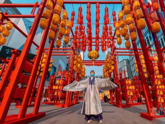 """春熙路商圈重现""""成都十二月市""""  锦江邀您""""春熙闹灯"""""""