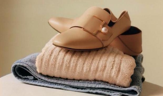 copy刘诗诗造型的最新方法就是踩上这双乐福鞋