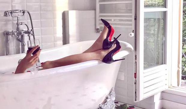 当代女性自拍新地标 居然是这些酒店的洗手间