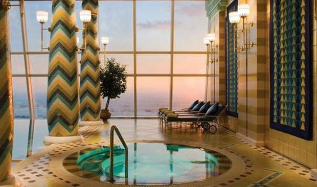 皇室级泳池酒店 这么美还让不让人好好游泳了