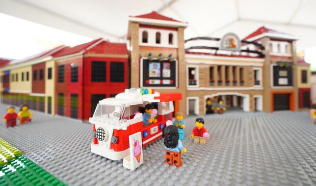 成都时代奥特莱斯建筑群3D模型亮相 刘惜君现场助阵
