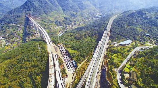 磨刀溪特大桥预计本月底全幅贯通