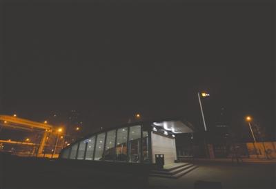 成都地铁4号线双桥路站处于二环旁,万年场站则在该站以东 成都商报摄影记者 陶轲