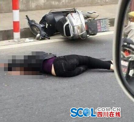 阆中滕王阁附近发生车祸