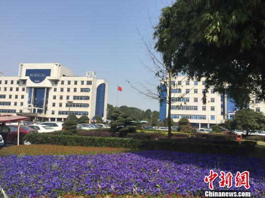 拆除围墙后,长沙县政府机关大院变成市民休闲的社区公园