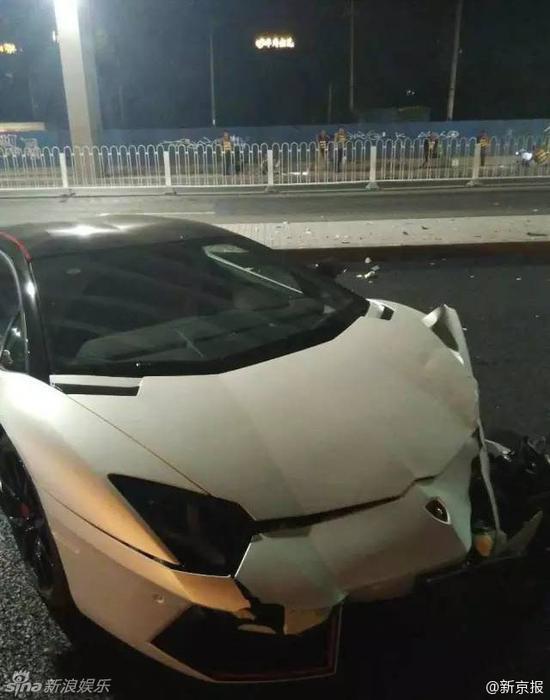 李易峰超跑出车祸