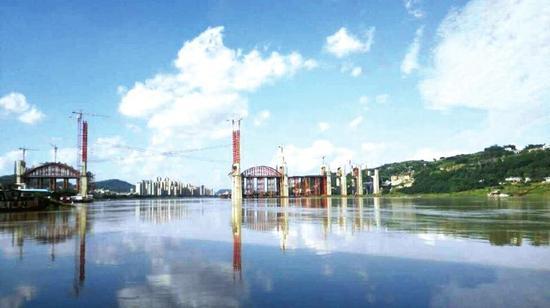 成贵铁路金沙江公铁两用桥建设迅速