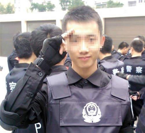 图为涉事警察杨某