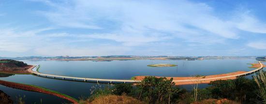 兴隆湖成都户外运动新宠 一个冉冉兴起的跑步天堂