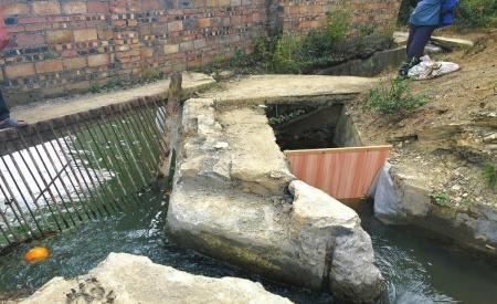 水电站将本该流入土桥大堰的水拦到了电站蓄水池中。