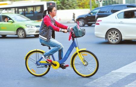 取车难停放乱 成都新兴共享单车问题多