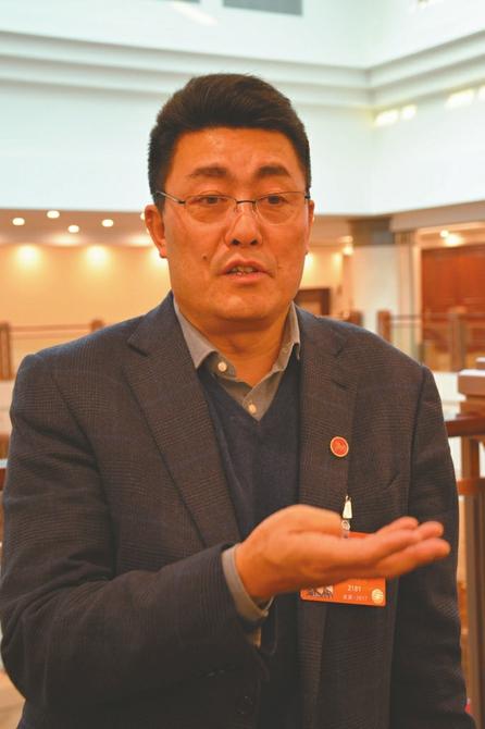 全国人大代表、凉山州委书记林书成。
