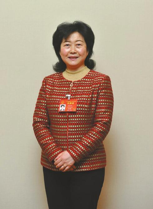 全国人大代表、民进中央委员、民进四川省委副主委赵爱武。