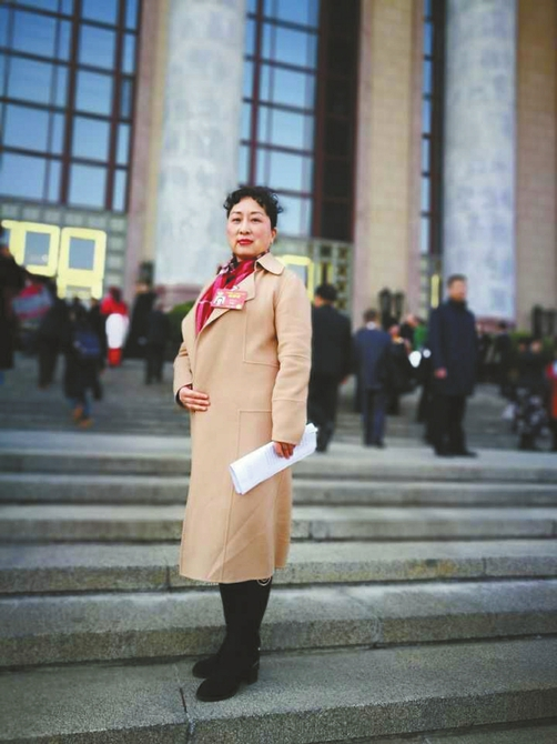 全国政协委员、省卫计委副主任罗良娟。