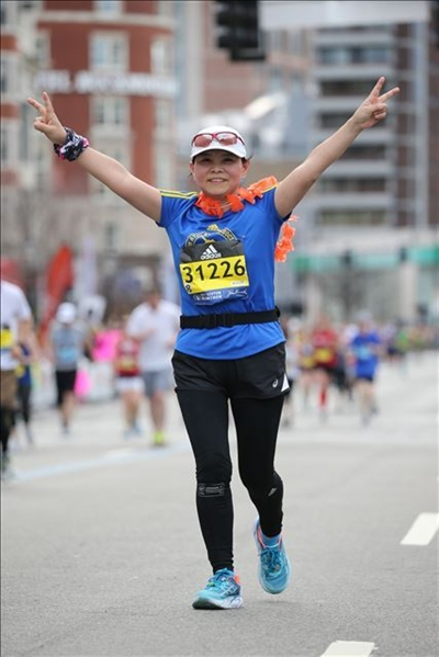 刘江涛在国际马拉松赛道上 受访者供图