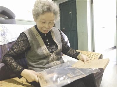 著名导演张华勋71年找到恩人 想邀请恩人到彭州玩