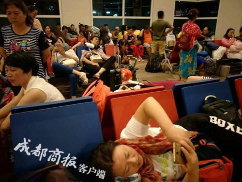 印尼航班延误致170余名四川游客滞留巴厘岛16小时