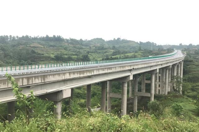 渝广高速重庆段一期力争8月底具备通车条件