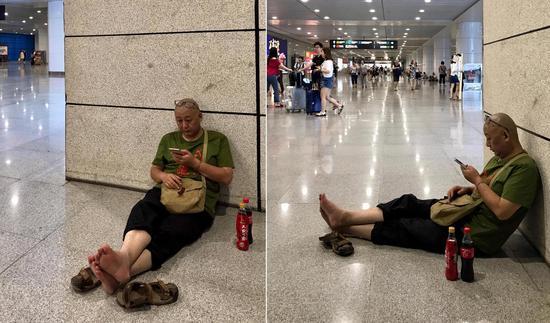 樊建川光脚坐重庆地铁过道被批 回应:我悔过