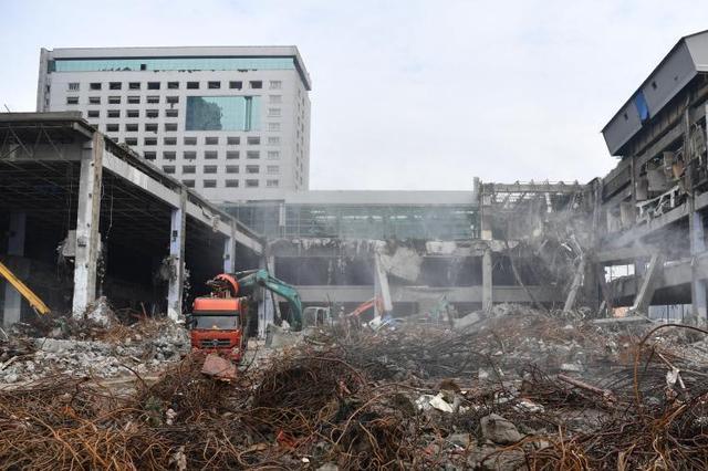 沙湾会展中心相伴成都人20年 拆除将建新地标
