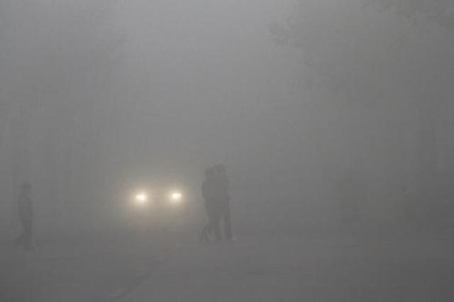 成都周末大雾不缺席 预计下周还将继续