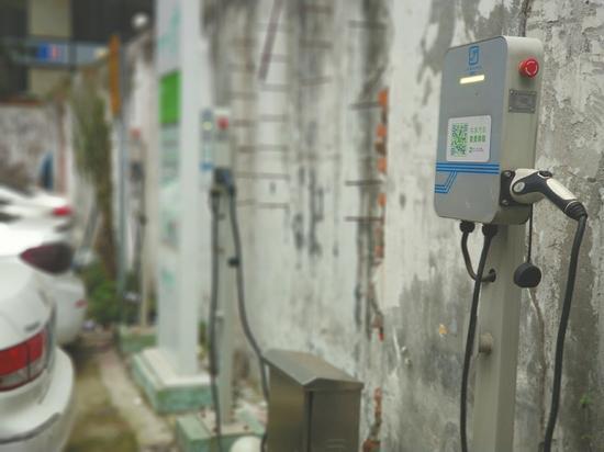 近期,成都市各停车场的充电桩使用率明显上升。