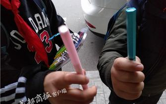 成都多个校园周边热卖磁性笔
