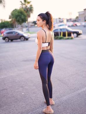 美女热爱健身身材赞