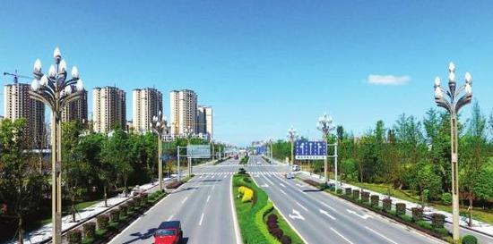 进行景观打造后的县城咸安大道