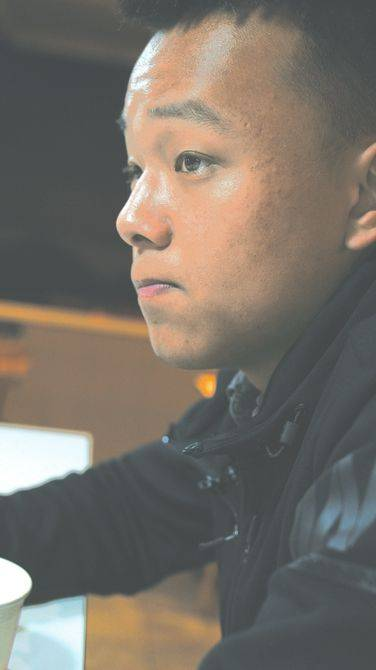 面对牺牲的战友,刘荣基内心有些复杂。