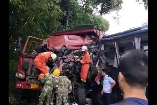 宜宾江安发生货车客车相撞事故 致1人死亡10人入院