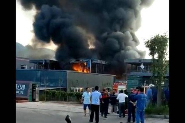 四川江安一工业园区发生爆燃事故已致19人死亡 原因正在调查