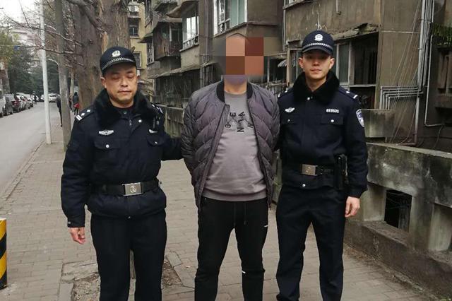 5天抓获4名嫌疑人 揭秘自贡灯会追逃神器