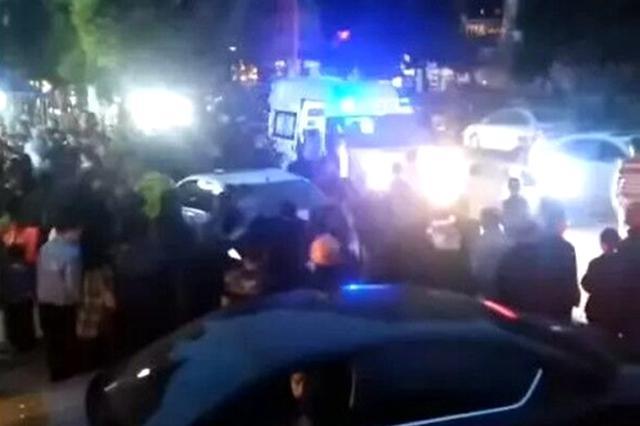 四川巴中女司机驾车驶入人行道撞伤多人 警方发布通报