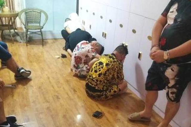 """涉嫌组织卖淫罪被追逃 攀枝花民警巧用""""妙招""""抓逃"""