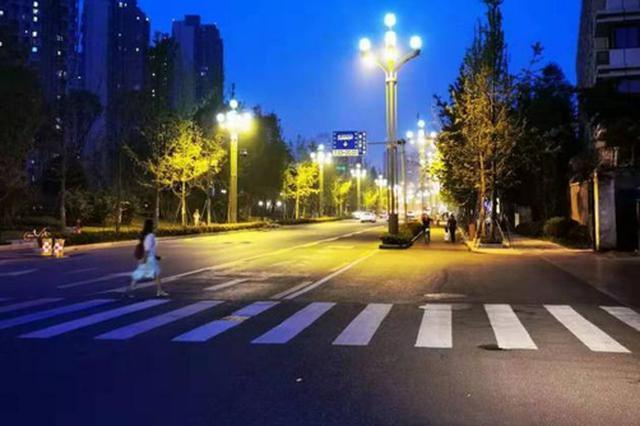 地铁驷马桥站C口 月底前亮灯