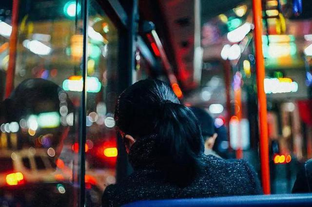 成都夜猫子看过来:12月10日起大悦城片区开通22路夜间公交