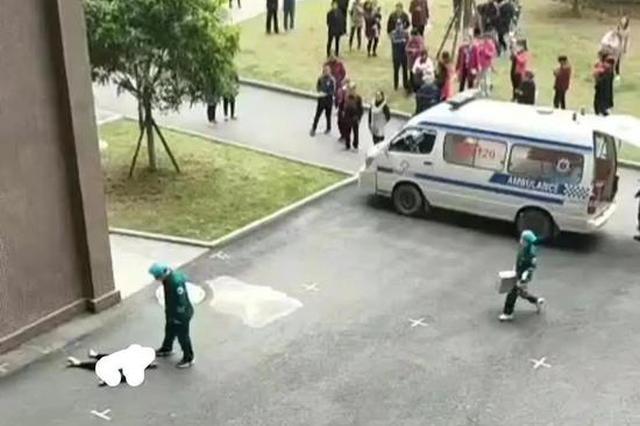 四川蓬安一5岁男孩从17楼家中厕所意外坠楼身亡