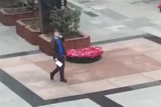 男子在春熙路持刀毁坏财物欲伤民警 警方发布通报