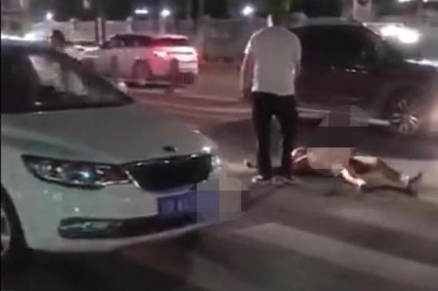 男子深夜裸身驾车连撞多车 警方:其连撞4车排除毒驾酒驾