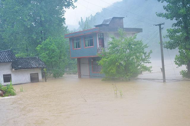 强降雨致广元26个乡镇2692人受灾 紧急转移安置551人