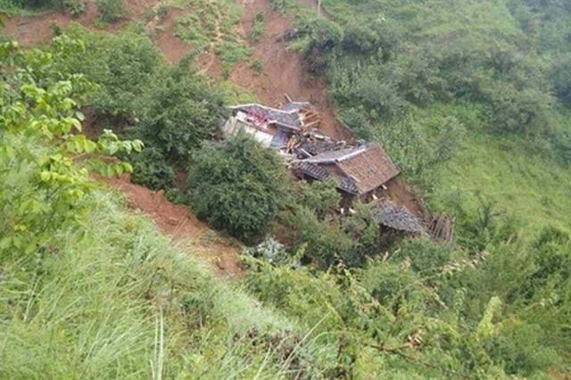 凉山发生滑坡压垮7间房屋 280人提前转移无伤亡