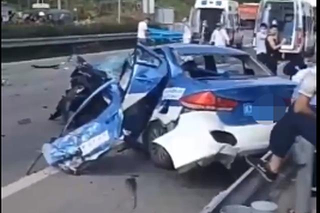司机疑因闯红灯撞上出租车致司机乘客死亡 监控记录下恐怖瞬间