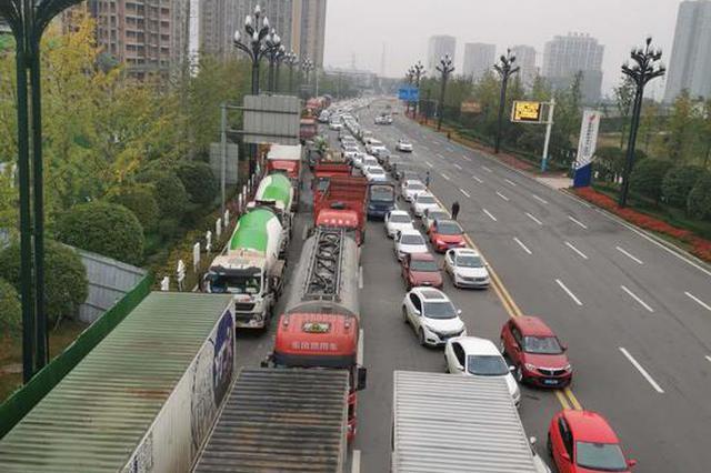 受大雾影响 宜宾、泸州多条高速公路封闭