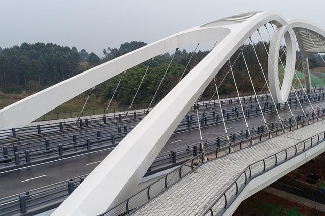 成都又双叒现网红桥 360°航拍带你先睹为快