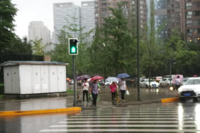 文明交通,你我共建!遂宁城区滨江路新增5处红绿灯